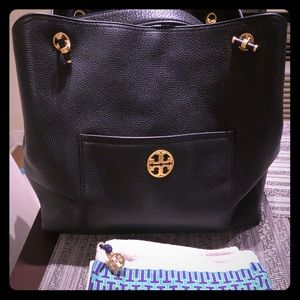 """fd403c28ab82 Tory Burch Bags - Brand new Tory Burch """"Chelsea Slouchy Tote"""""""